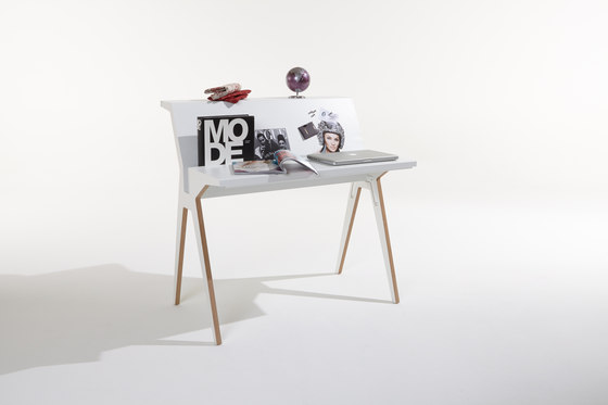 Staks by Müller Möbelwerkstätten | Desks
