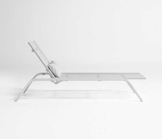 Stack Chaiselongue by GANDIABLASCO | Sun loungers