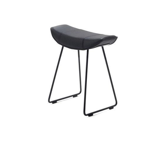 Kya | Stool Seat mit Drahtgestell von Freifrau Sitzmöbelmanufaktur | Poufs / Polsterhocker