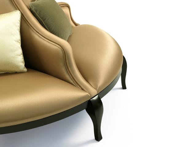 Madeleine | Round Sofa von MUNNA | Sofas