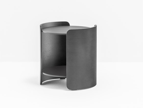 Parenthesis P10001 by PEDRALI | Side tables