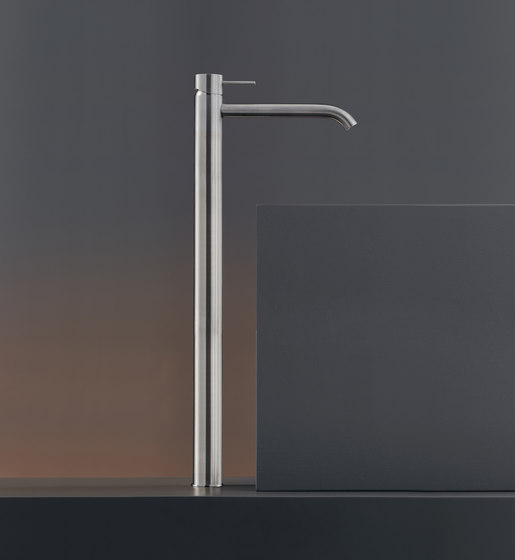 Milo360 MIL111 de CEADESIGN | Grifería para lavabos
