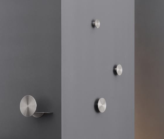 Giotto GIO03 by CEADESIGN   Towel rails