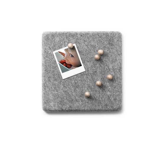 Felt Panel Pin Board di MENU | Sistemi di sospensione per quadri