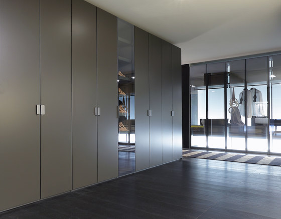 Fitted Sharp wardrope by Poliform | Cabinets