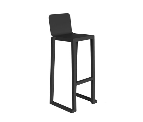 Barcino stackable stool tabourets de bar de resol for Tabouret barcelona