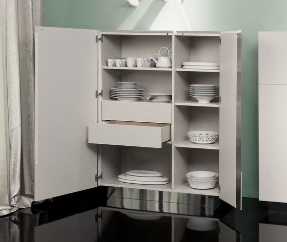 Gap 92 RE/ 93 LI Closet by Christine Kröncke | Cabinets