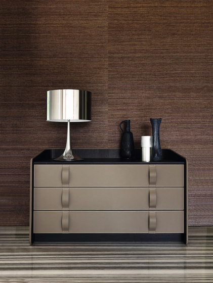 Gentleman dresser by Flou | Clothes sideboards