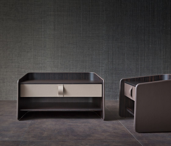 Gentleman nightstand by Flou | Night stands