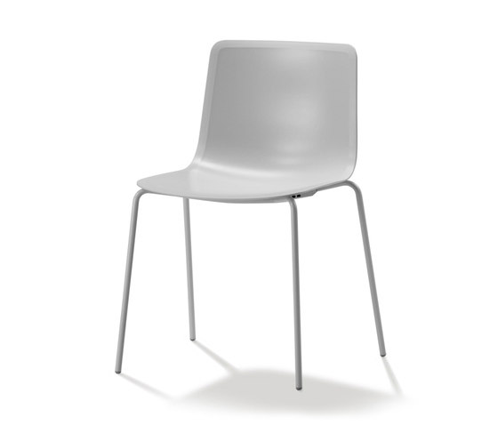 Pato 4 Leg de Fredericia Furniture   Chaises polyvalentes