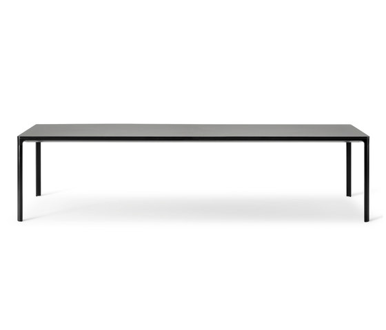 Mesa Table by Fredericia Furniture | Dining tables