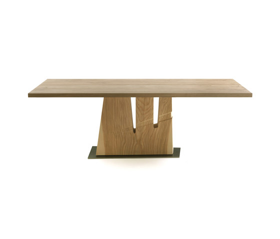 Hache by Riva 1920 | Restaurant tables