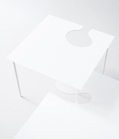 Softer than steel small tables by Desalto | Side tables