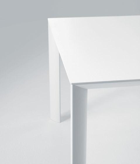 Velvet by Desalto | Restaurant tables
