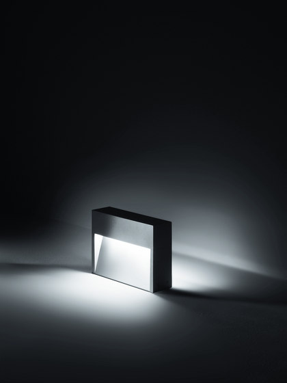 Skill Bollard by Simes | LED lights