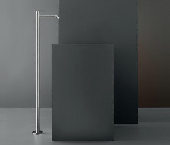 Innovo INV08 by CEADESIGN   Wash basin taps