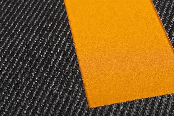 Pléyades | Sisal Plain Black / Mackey 1 by WOOP RUGS | Rugs / Designer rugs