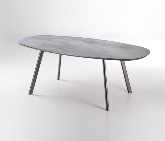 Emisfero by De Castelli | Restaurant tables