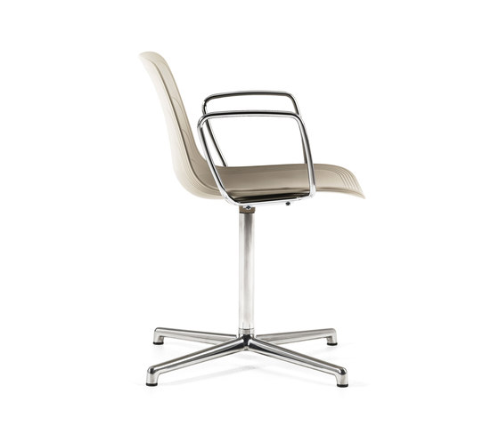 Grade | Armchair on swivel base by Lammhults | Task chairs