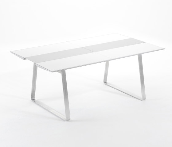 Extrados medium table extendable by EGO Paris | Dining tables