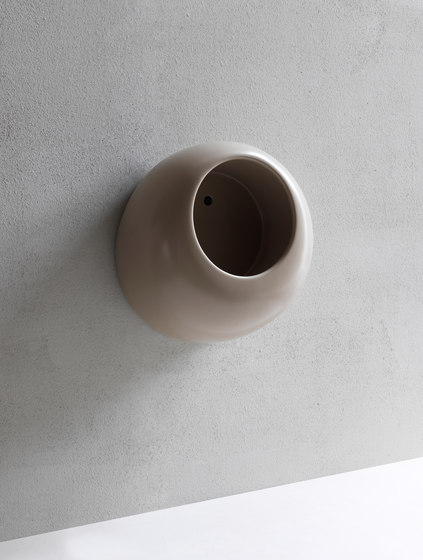 Orinatoi Mini Ball wall hung urinal by Ceramica Cielo | Urinals
