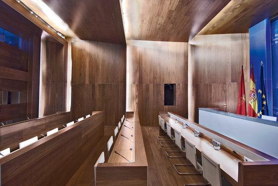 Parklex Walls and Ceilings Dry Internal | Walnut by Parklex | Wall veneers