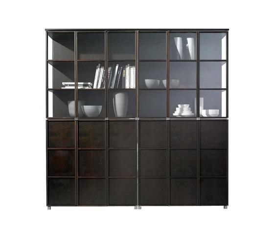 Quadrat wall de Christine Kröncke | Vitrinas