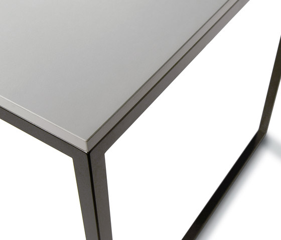 Calma Modell 929 by Kim Stahlmöbel | Contract tables