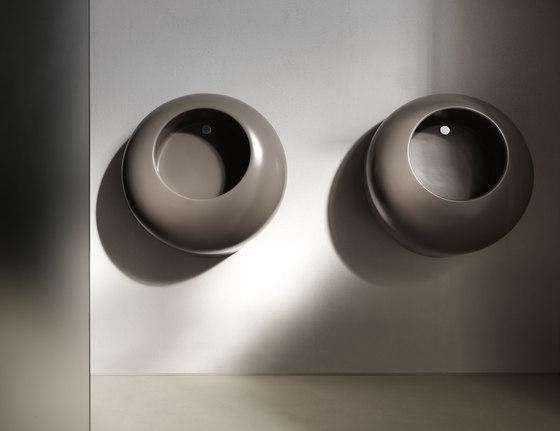 Orinatoi Ball wall hung urinal de Ceramica Cielo | Urinarios