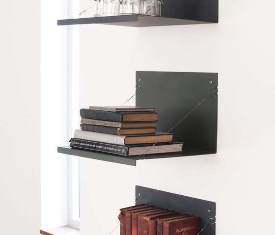 independent gil wallshelf von Skram | Regale