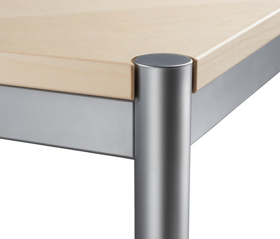 Rondo Modell 905 by Kim Stahlmöbel | Contract tables