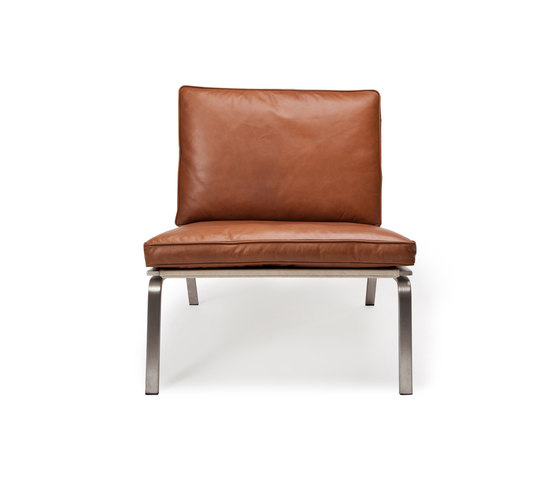Man Lounge Chair: Vintage Leather Cognac 21000 de NORR11 | Fauteuils