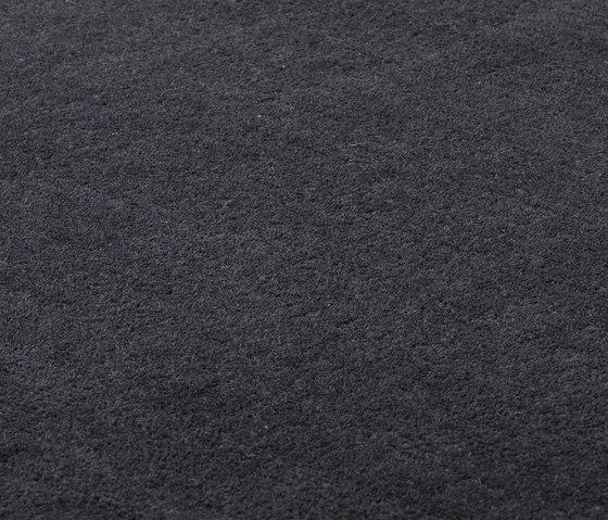 Studio NYC Raw Wool Edition deep graphite von kymo | Formatteppiche
