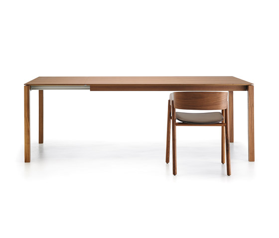 Bass by Punt Mobles | Dining tables