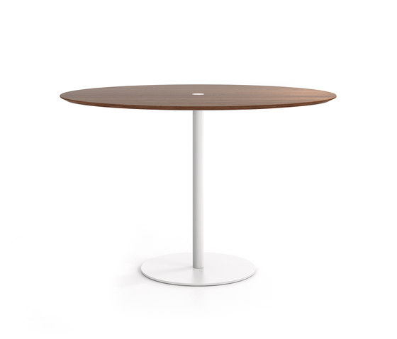 Núcleo by Punt Mobles | Cafeteria tables