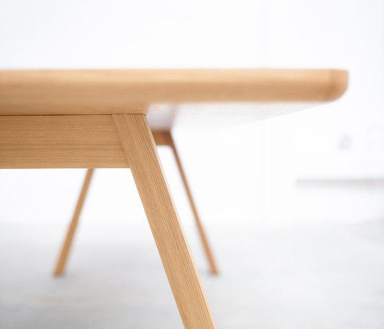 Stelvio Table di TON | Tavoli ristorante
