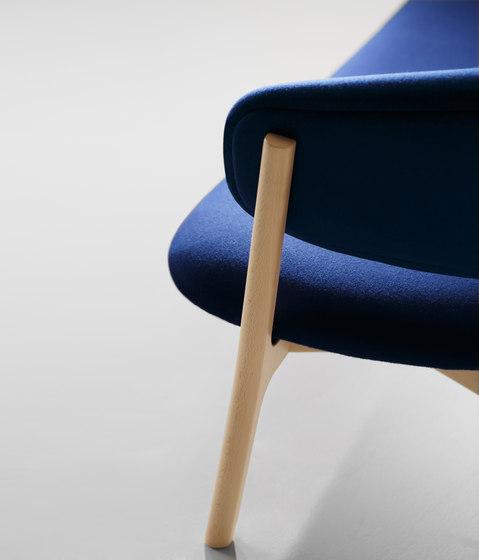 Roundish Three Seater Sofa de MARUNI | Canapés
