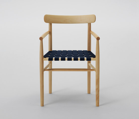 Lightwood Arm Chair (Webbing Seat) de MARUNI | Sillas