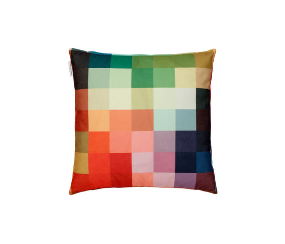 Squaring of the cirlce - fire by ZUZUNAGA | Cushions
