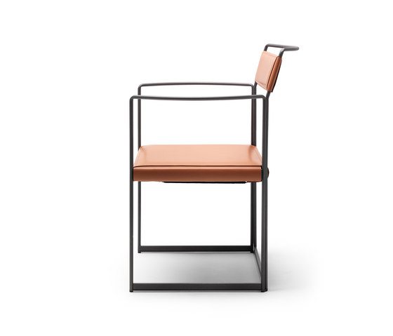 New Outline chair de Eponimo | Sillas