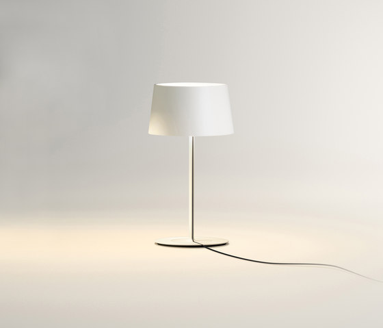 Warm 4896 Table lamp by Vibia | General lighting