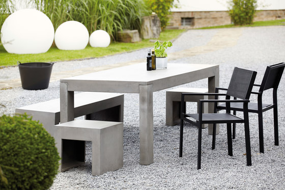 beton table dining tables from jankurtz architonic. Black Bedroom Furniture Sets. Home Design Ideas