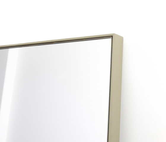 Steel frame mirror mirrors from bautier architonic for Metal frame mirror