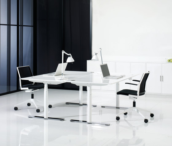 X12 Desk de Holmris Office | Systèmes de tables de bureau