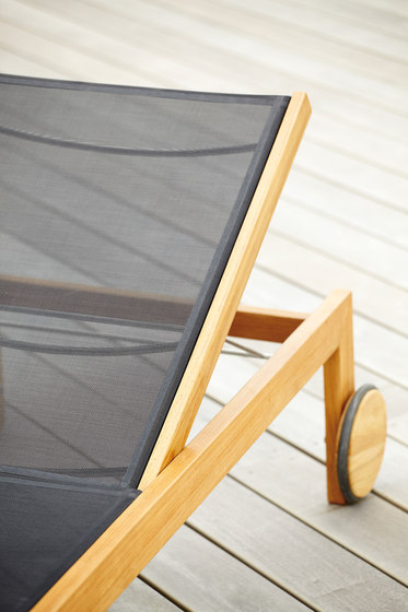Luxury Sonoma sun bed by jankurtz | Sun loungers