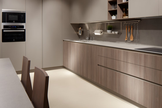 Serie 45 elm chocolate stone fitted kitchens from dica - Cocinas chocolate ...