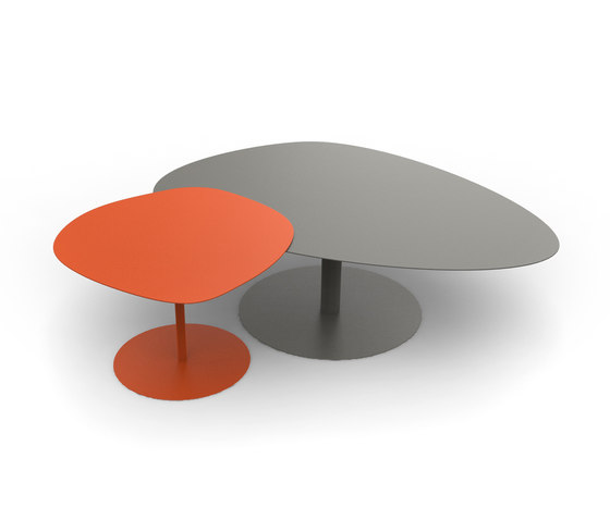 Lounge tables tables galet table 1 mati re grise - Table basse forme galet ...