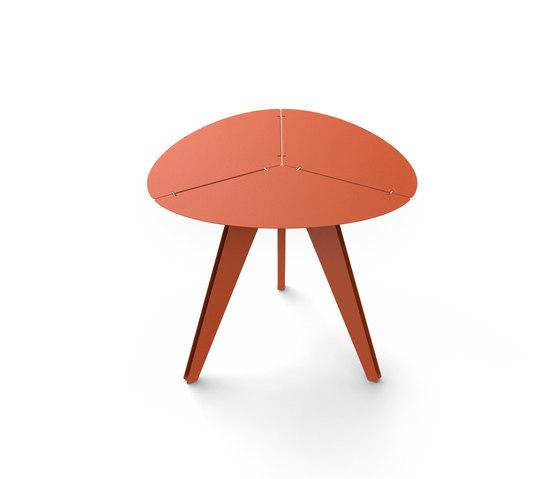 Loo triangular table di Matière Grise | Tavoli pranzo