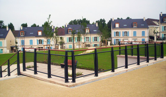 Delta barrier by Concept Urbain | Railings / Barriers
