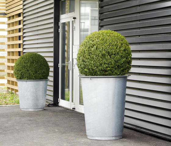 Sarlat planter by Concept Urbain | Plant pots